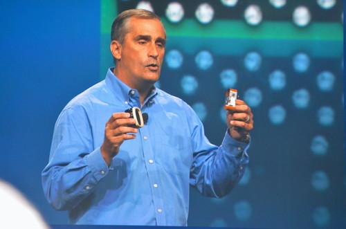 Intel CEO Brian Krzanich shows wearable computing prorotypes at IDF 2013.JPG