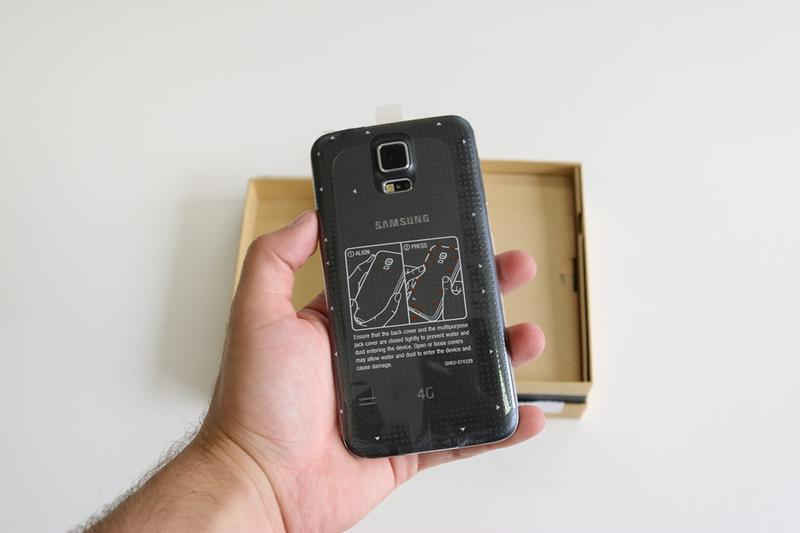 In Pictures: Samsung Galaxy S5 unboxing