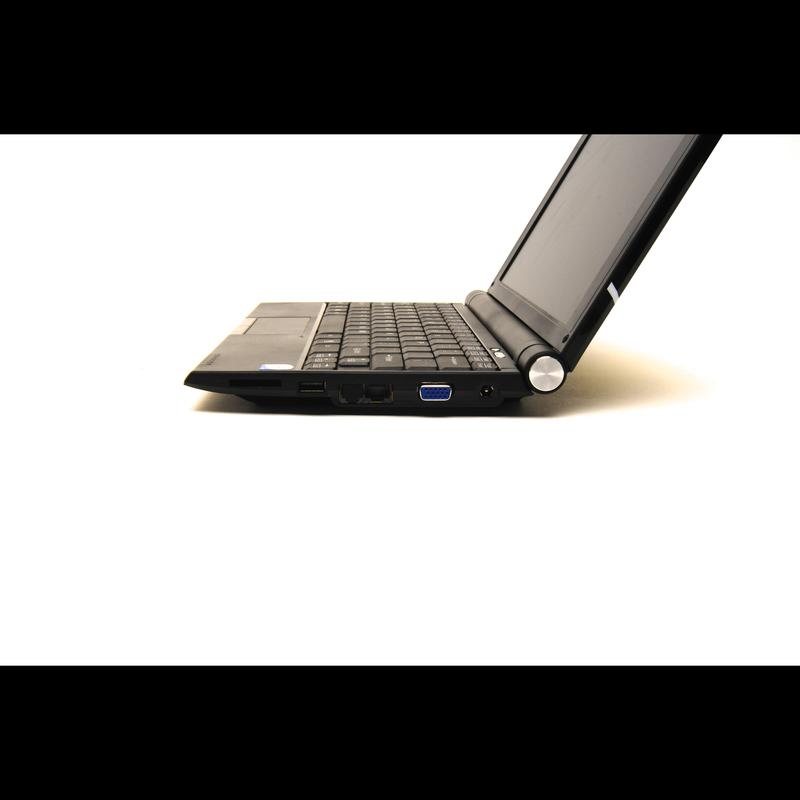 Hands-on with the Kogan Agora Netbook Pro