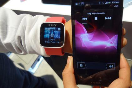 Sony to launch 'SmartWatch' that synchs with, controls Android phones