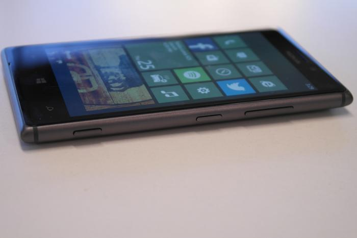 There's a camera shutter key, but no microSD card slot on the Lumia 925.