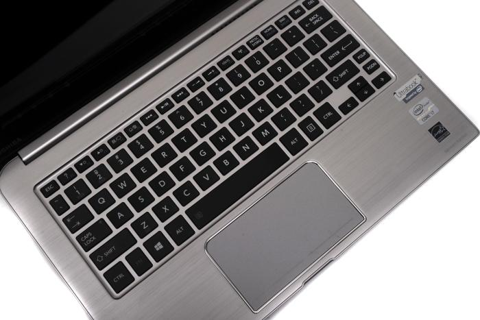 A backlit keyboard and a large, smooth touchpad make the KIRA comfortable to use.
