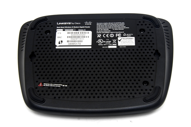 Linksys Dual-Band Wireless-N ADSL2 Modem Gigabit Router (WAG320N)